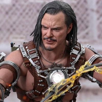 Whiplash Sixth Scale Figure by Hot Toys