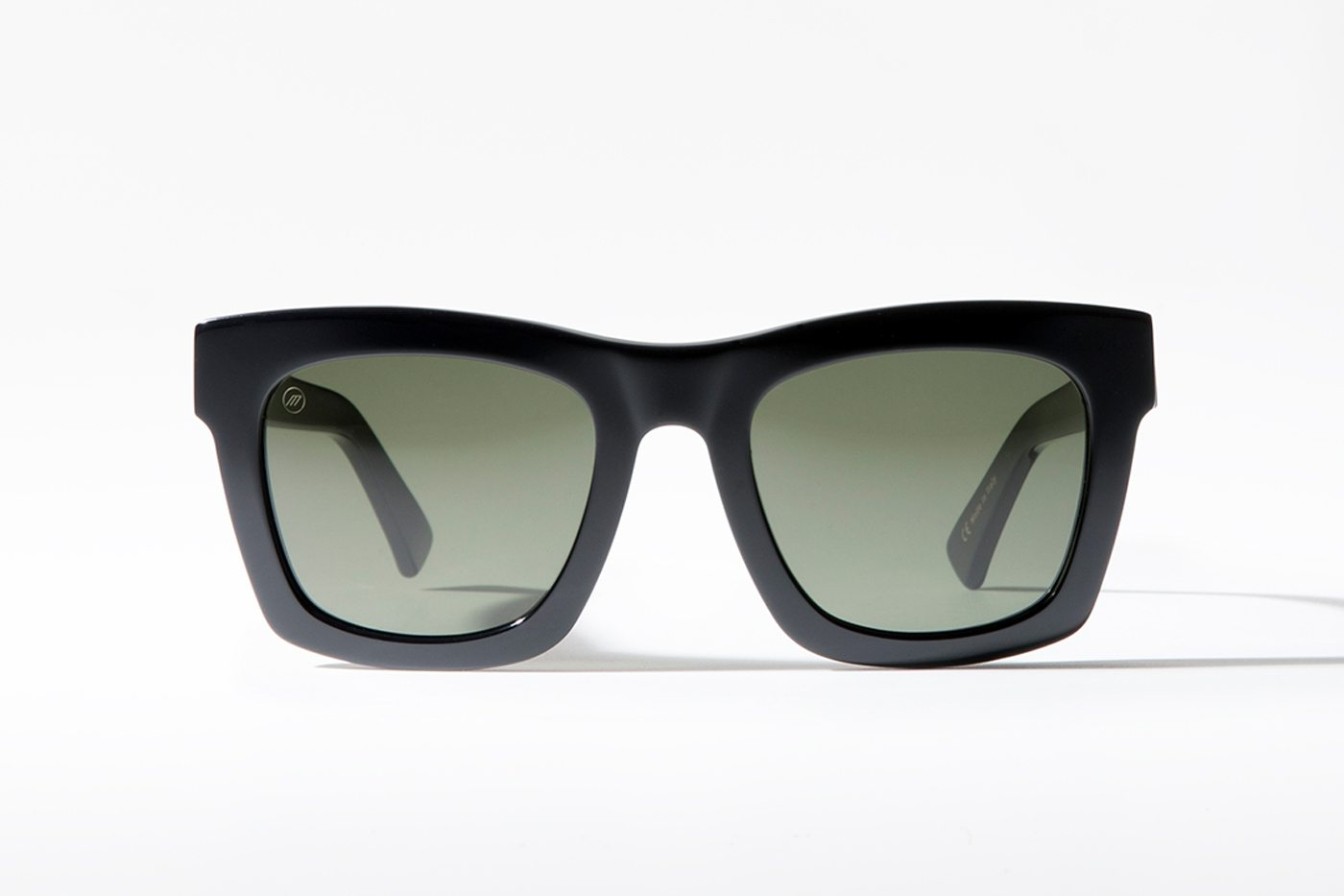 black oversized rectangle sunglasses