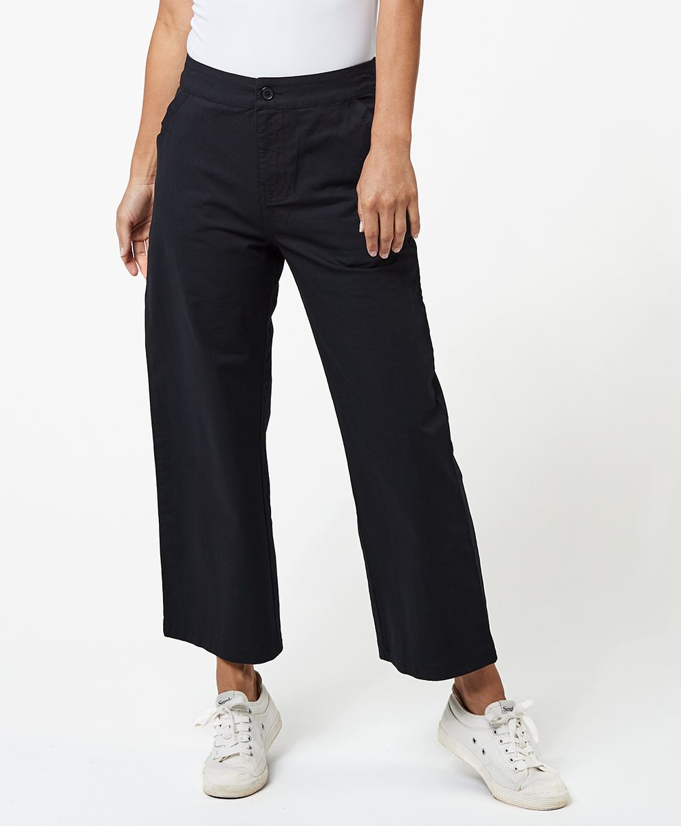 Wide Leg Cropped Pant in Black