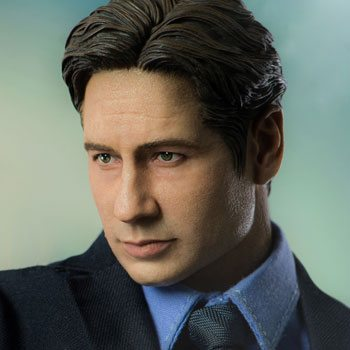 Agent Mulder Sixth Scale Figure by Threezero