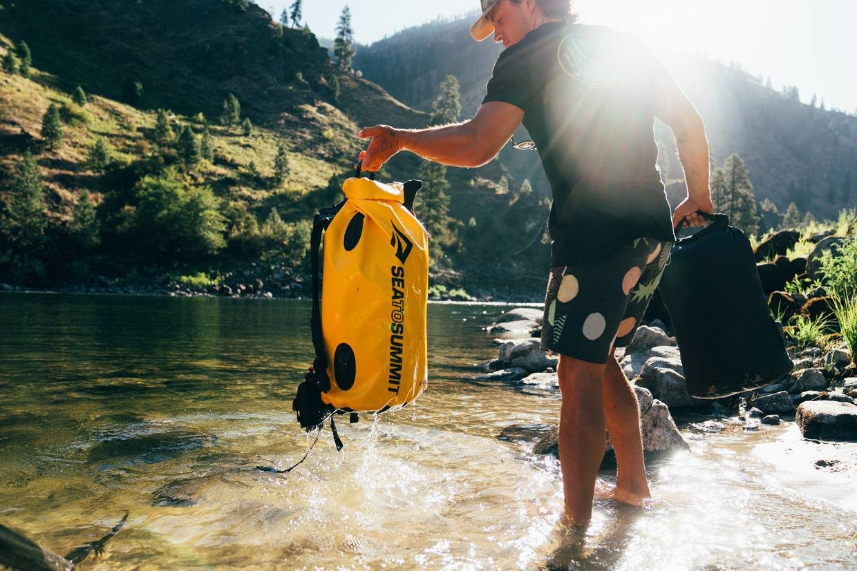 Free Gear Fridays: Sea to Summit Hydraulic Dry Pack & Bag Giveaway