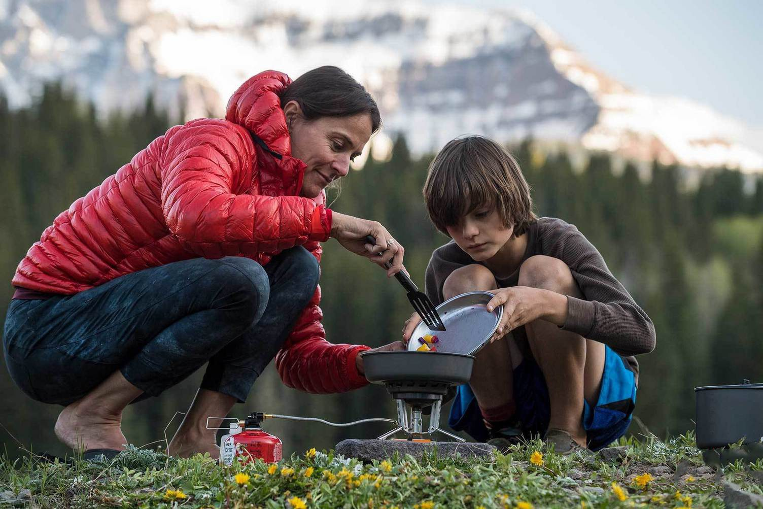 The Best Backpacking Stoves & Cookware on Sale Now