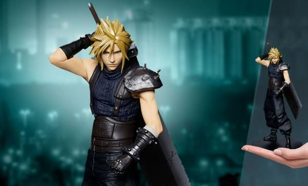 Cloud Strife Statuette by Square Enix
