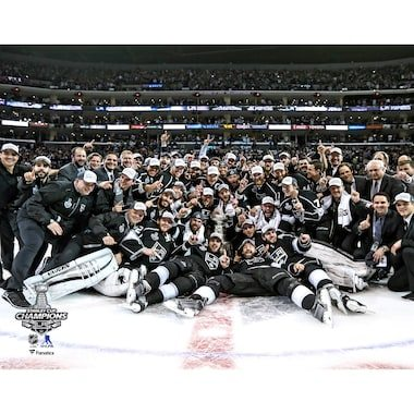 Fanatics Authentic Los Angeles Kings Unsigned 2014 Stanley Cup Champions Team Celebration Photograph
