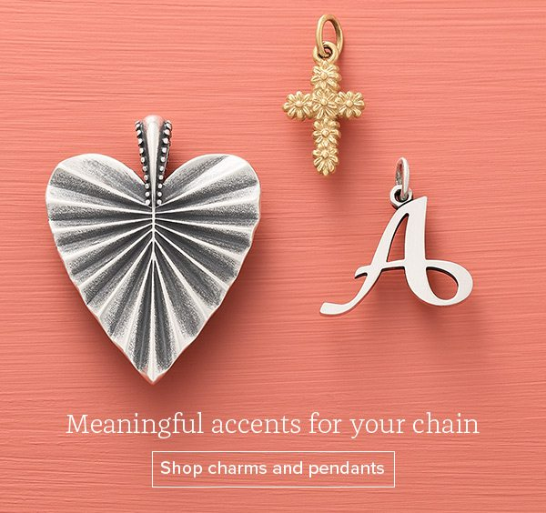 Meaningful accents for your chain - Shop charms and pendants