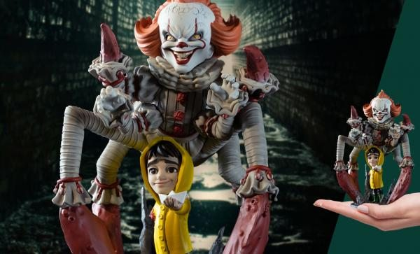 Pennywise Spider Q-Fig Max Elite Collectible Figure by Quantum Mechanix