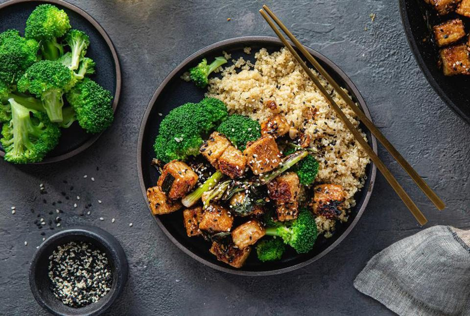 6 Vegetarian & Vegan Meal Delivery Services That Make Plant-Based Dinners Easy